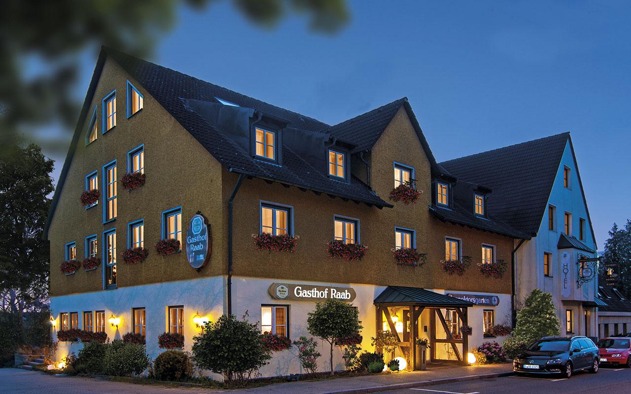 hotel-raab-haus_daemmerung